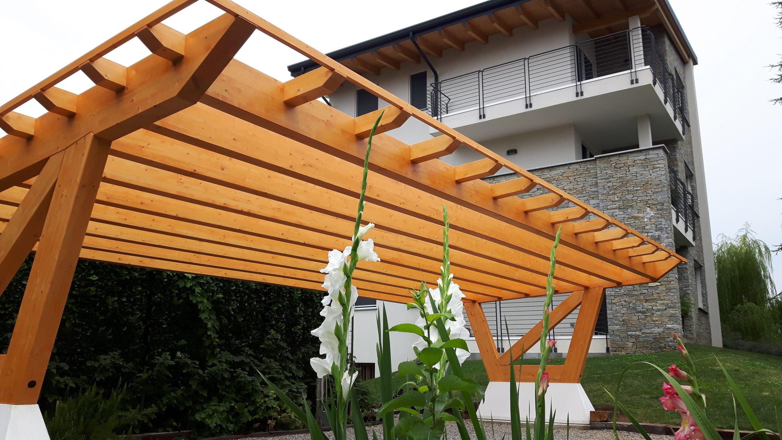 tettoia per posto auto in calcestruzzo in legno