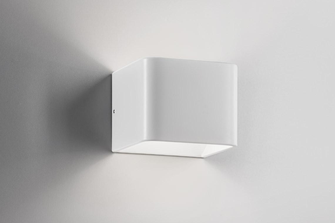 Applique moderna da esterno in ghisa di alluminio in