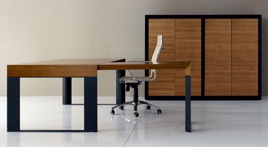 Scrivania Ufficio In Legno : Scrivania direzionale in legno in vetro in laminato simposio