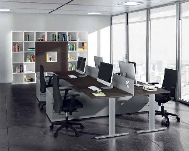Scrivania Ufficio In Metallo : Scrivania per open space in legno in metallo moderna must