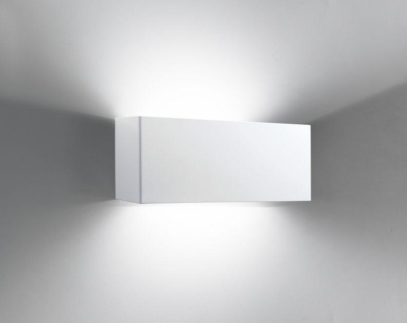 Plafoniere Da Esterno In Metallo : Applique moderna da esterno in metallo fluorescente compatta