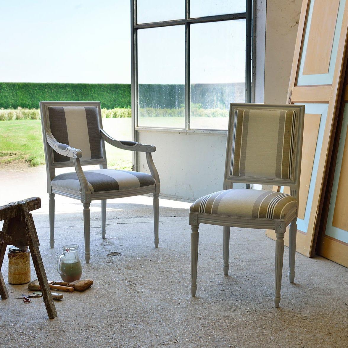 Sedia in stile Luigi XVI / con braccioli / imbottita / in tessuto ...