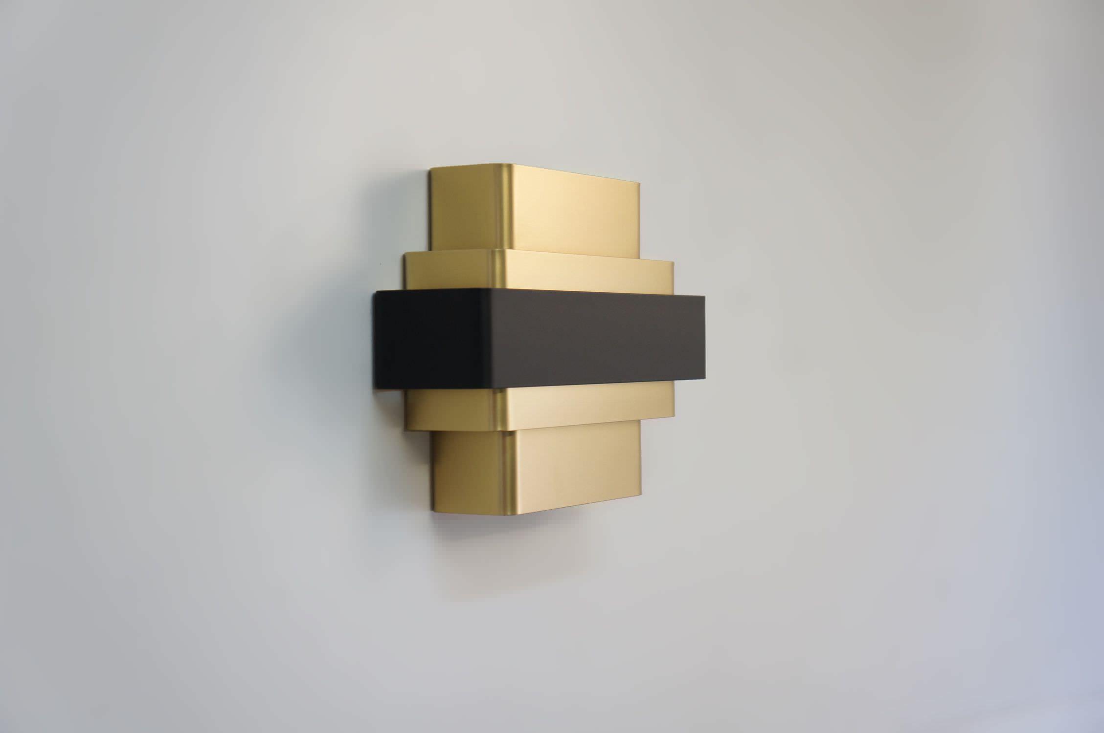 Applique design minimalista in alluminio a incandescenza