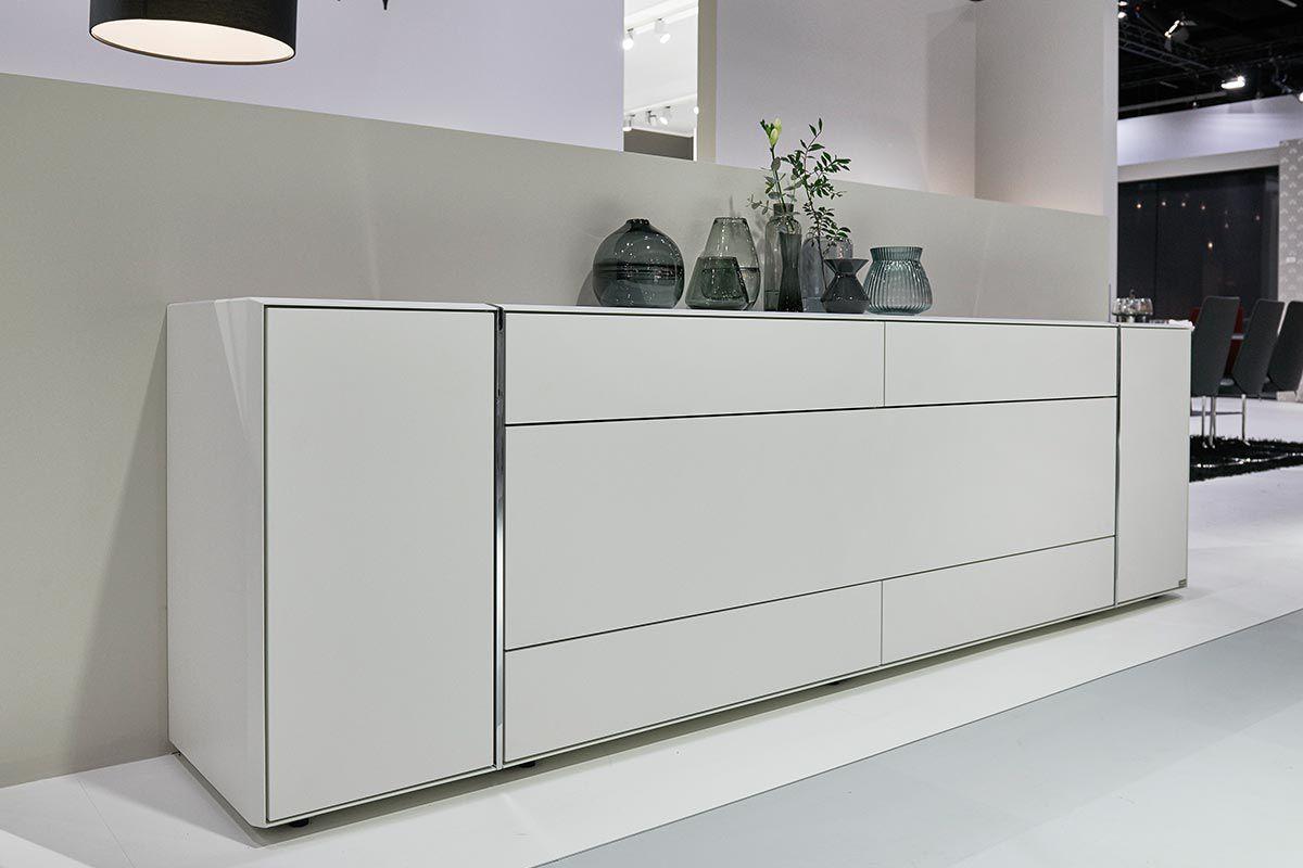 Credenza Con Alzata Bianca : Credenza moderna in legno laccato bianca grigia fonis hülsta