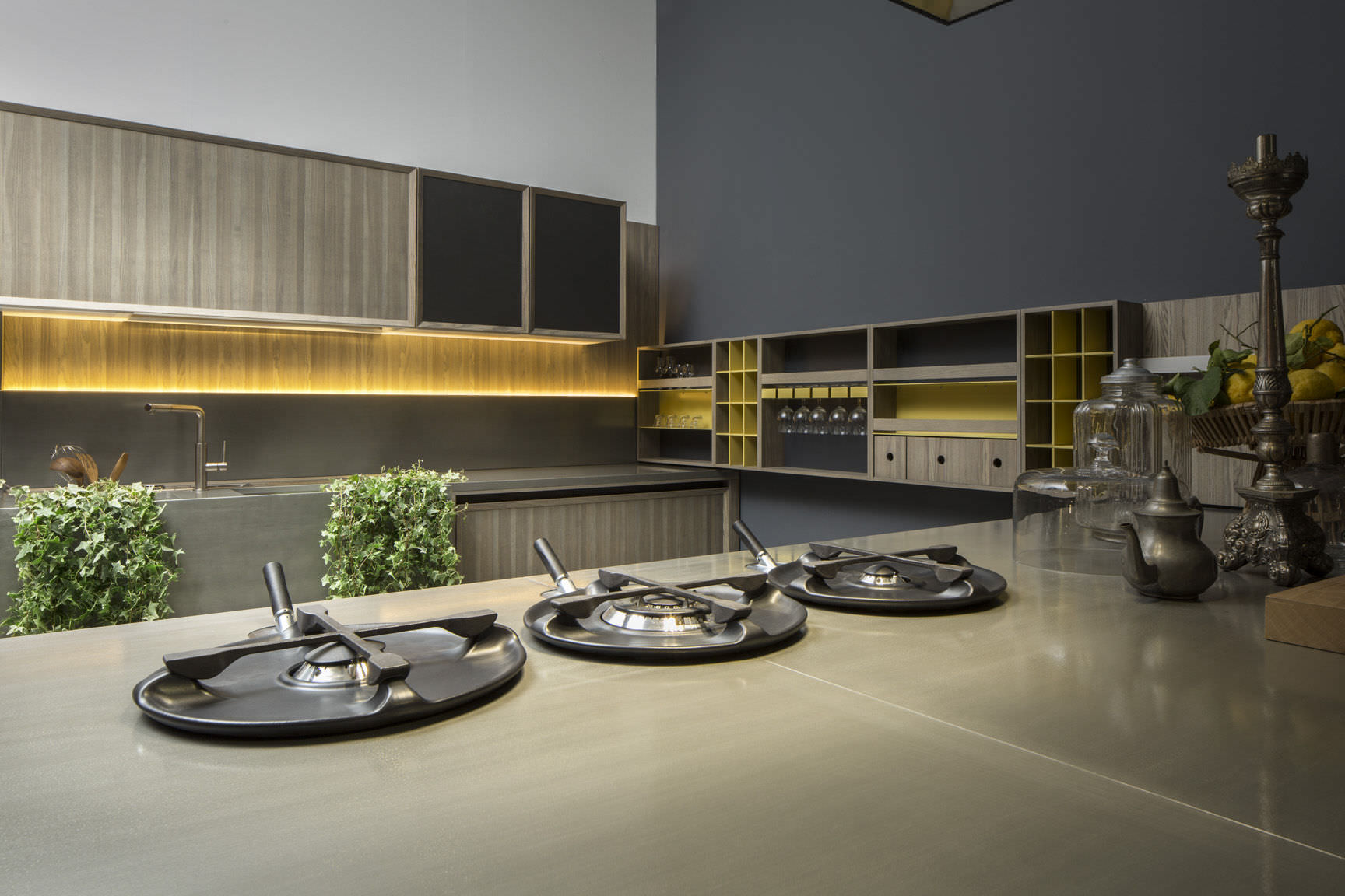 Cucina moderna / impiallacciata in legno / con isola - LIGNUM by ...