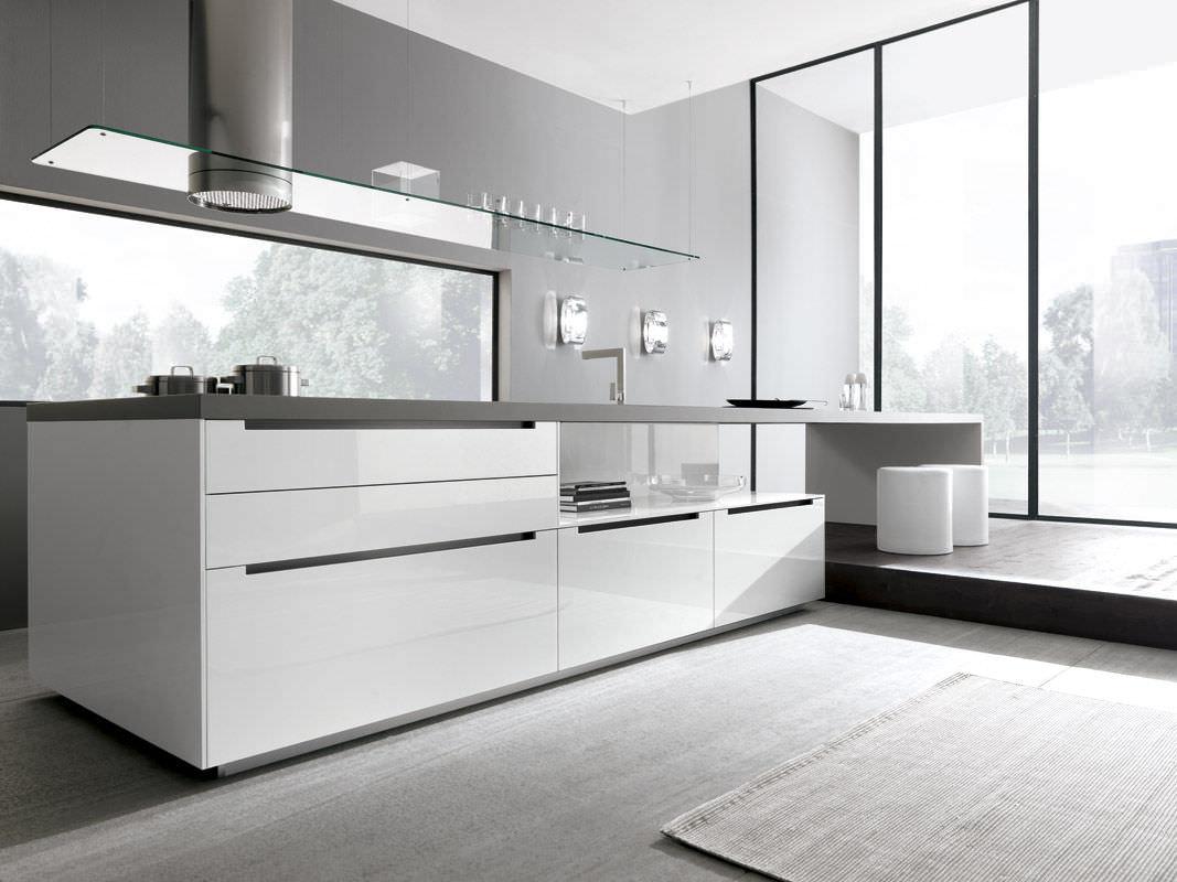 Cucina moderna / in legno / laccata / lucida - LINEA by Marconato ...