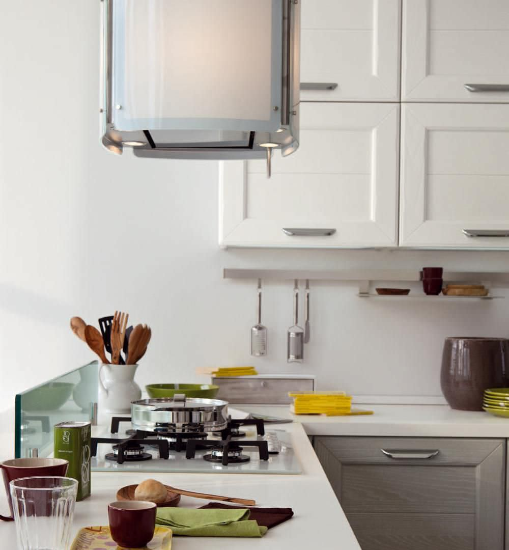 Cucina classica / in legno massiccio / con impugnature - CLAUDIA ...
