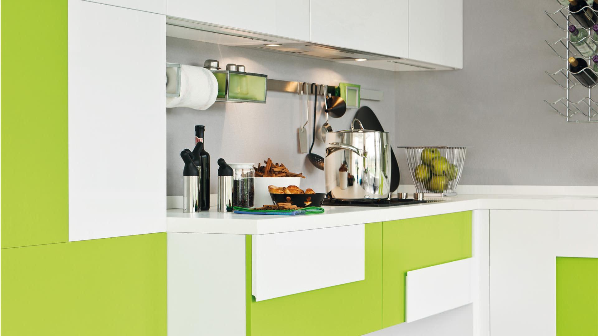 Cucina moderna / in legno / laccata - CREATIVA - CUCINE LUBE - Video