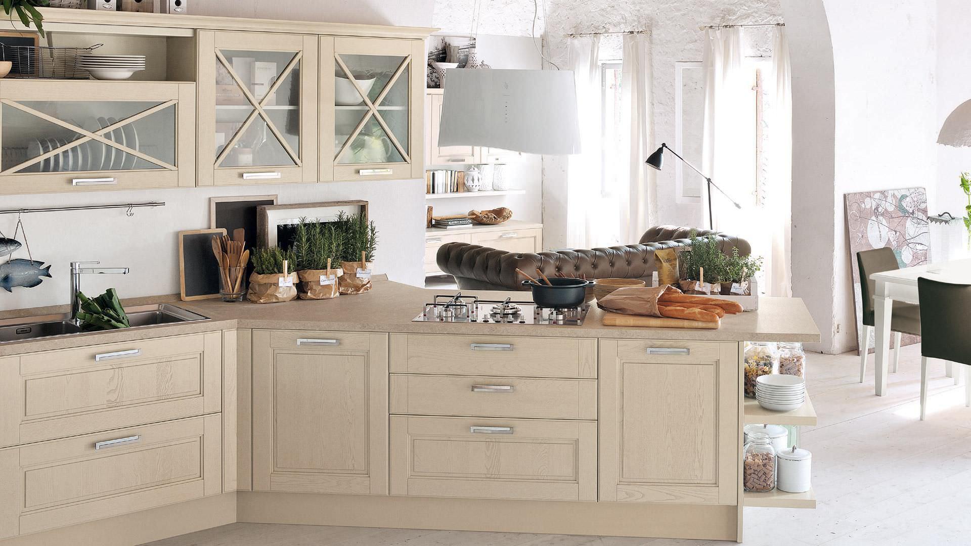 Cucina classica / in legno massiccio - AGNESE - CUCINE LUBE