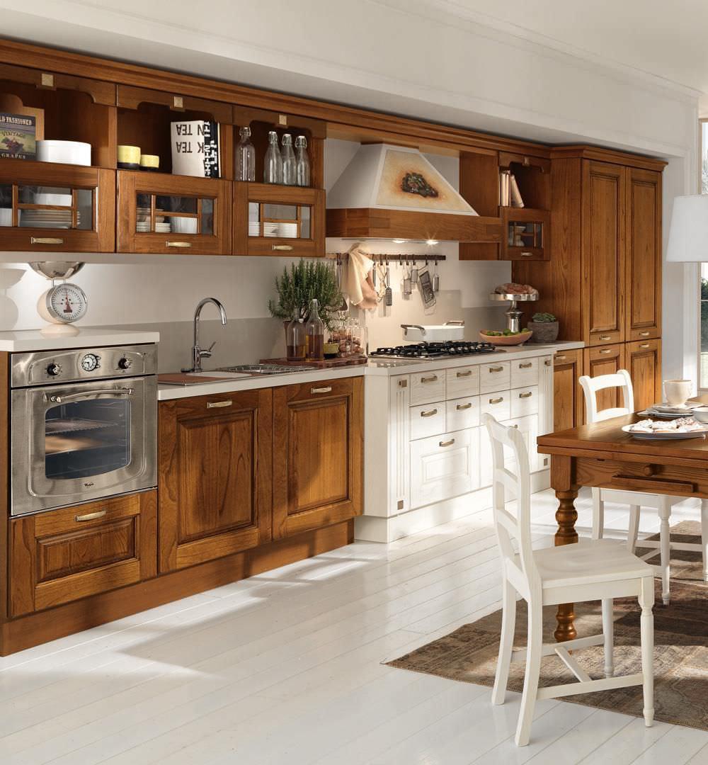 Cucina classica / in legno massiccio - LAURA - CUCINE LUBE - Video