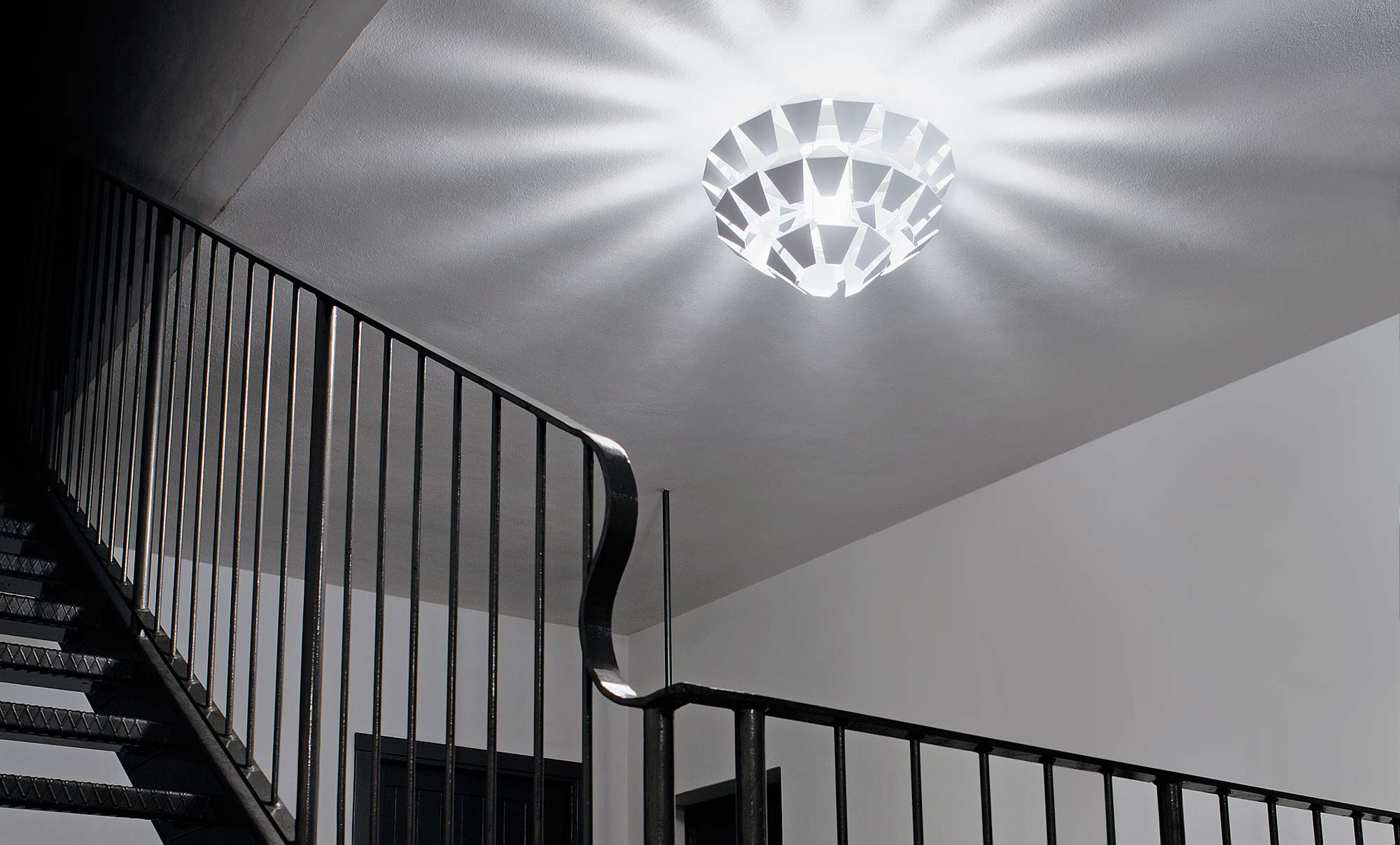 Plafoniere Led Da Interni : Plafoniera moderna in metallo verniciato led da interno