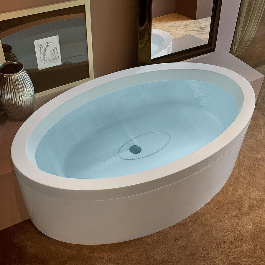 Vasca da bagno ovale / in acrilico / idromassaggio / di Marc ...
