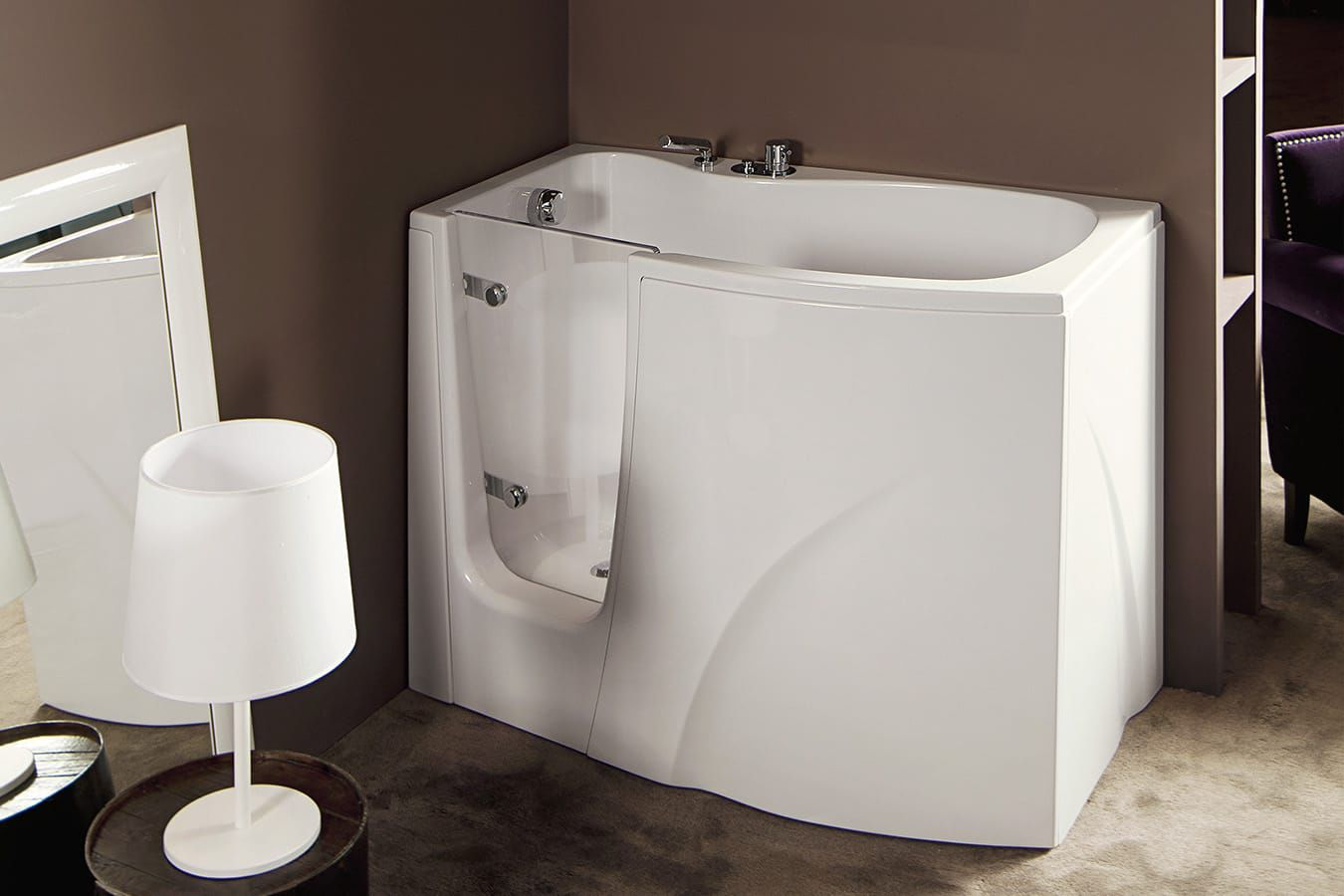 Vasca da bagno dangolo in acrilico per disabili con porte