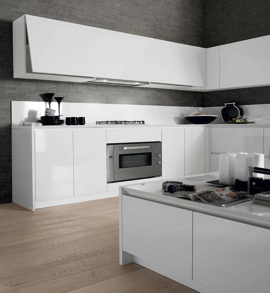 Cucina moderna / in laminato / laccata / lucida - CRETA CORNER by ...