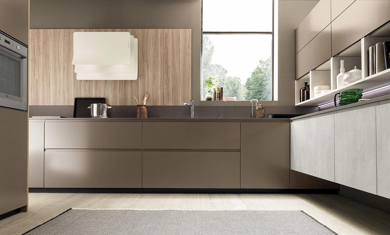 Cucina moderna / in legno / laccata / senza maniglie - VOLUMIA by ...