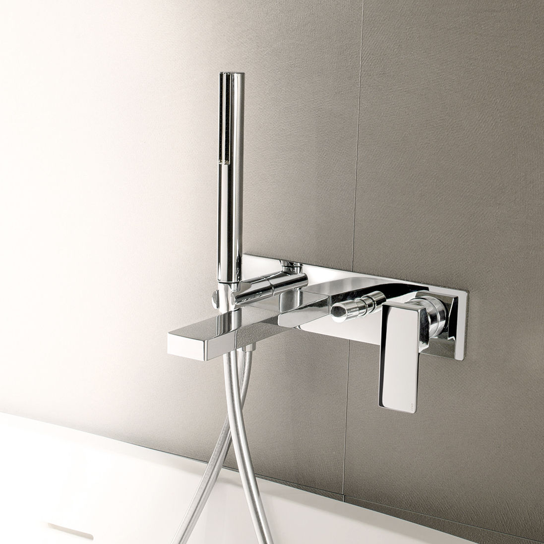 Miscelatore per vasca / da parete / in metallo cromato / da bagno ...