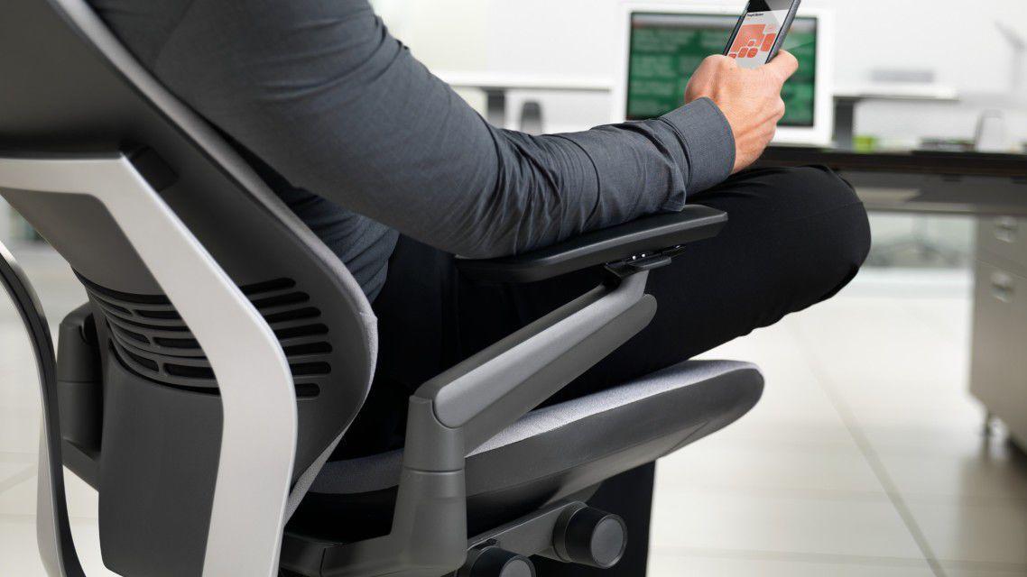 Poltrona da ufficio moderna in plastica in acciaio in pelle