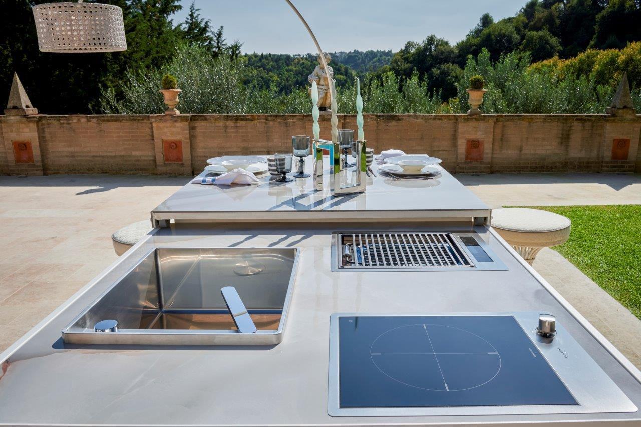 Cucina moderna / in acciaio con rivestimento a polvere / in ...