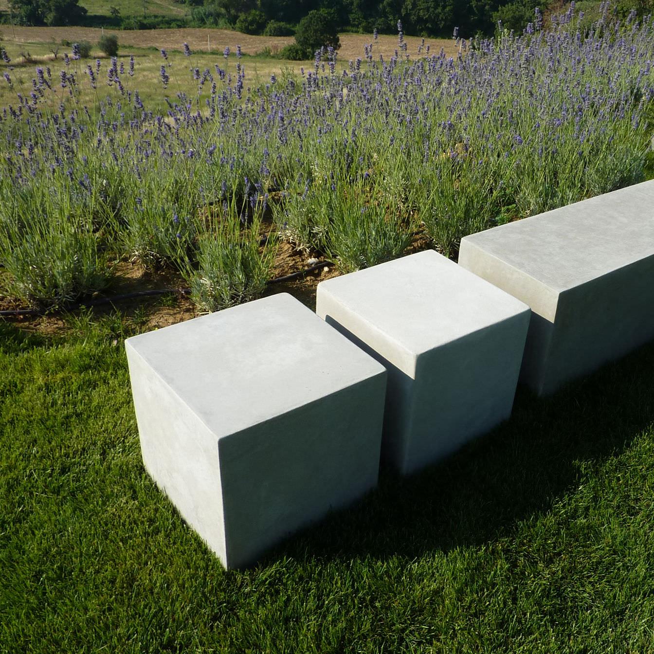 Tavolo In Cemento Da Giardino.Tavolino Basso Moderno In Cemento Quadrato Da Giardino Basic
