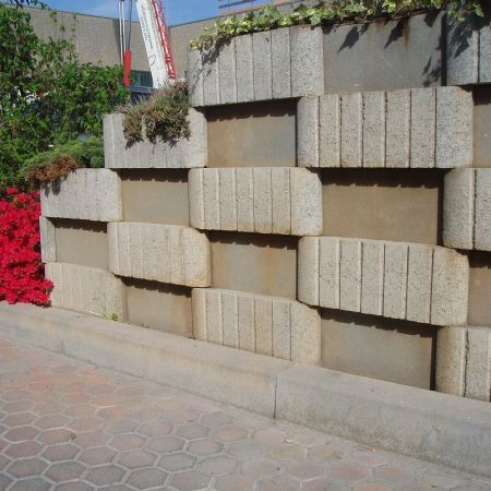 Mattoni Forati Per Recinzioni Giardino.Blocchi Cemento Per Recinzioni Elegant Muretto Antico Giallo