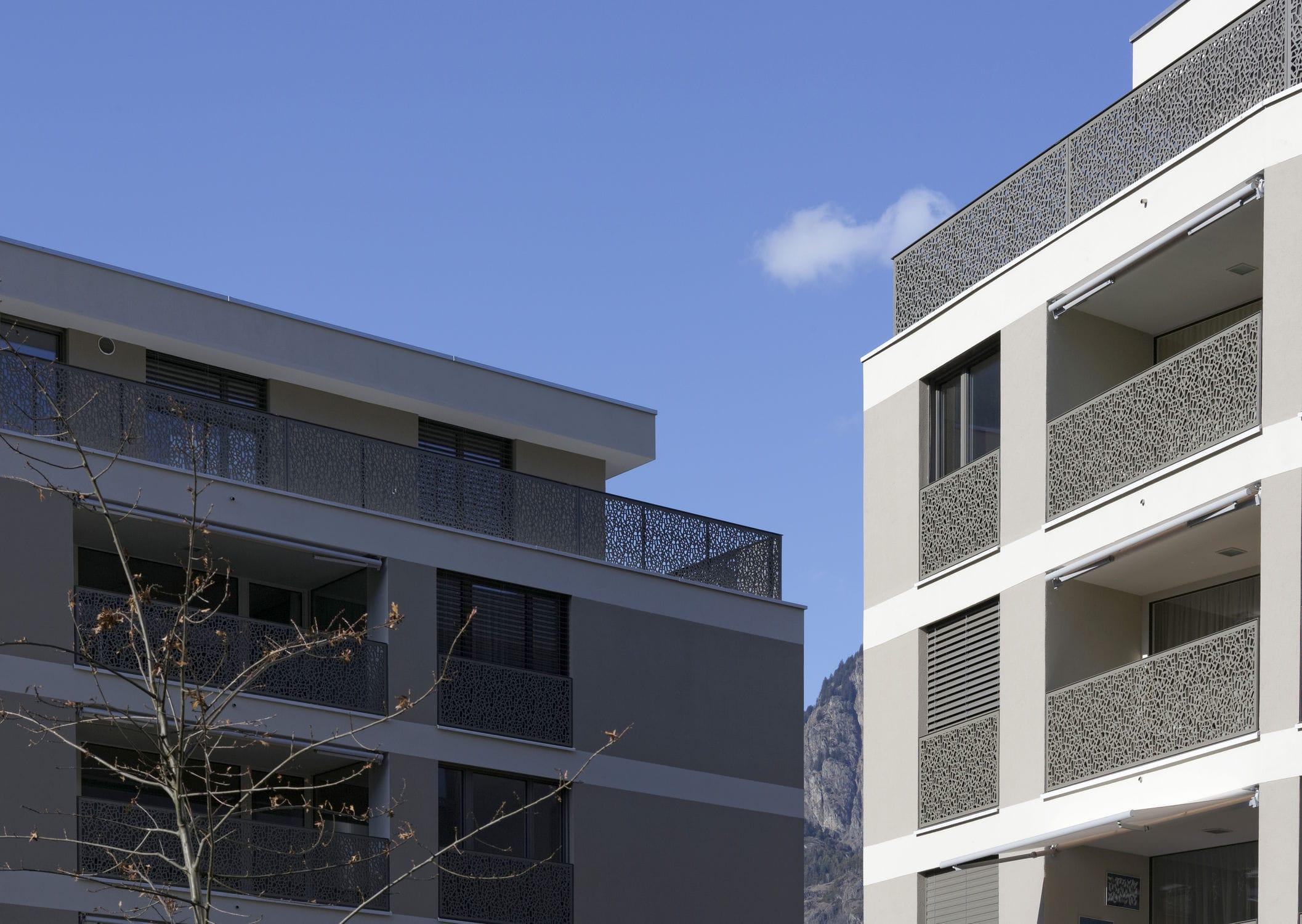 Balconi Esterni In Legno : Ringhiera in fibra di legno a pannelli da esterno per balcone