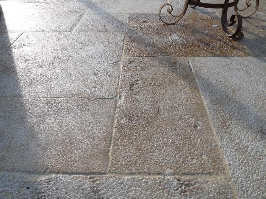 Piastrella da esterno da pavimento in pietra calcarea