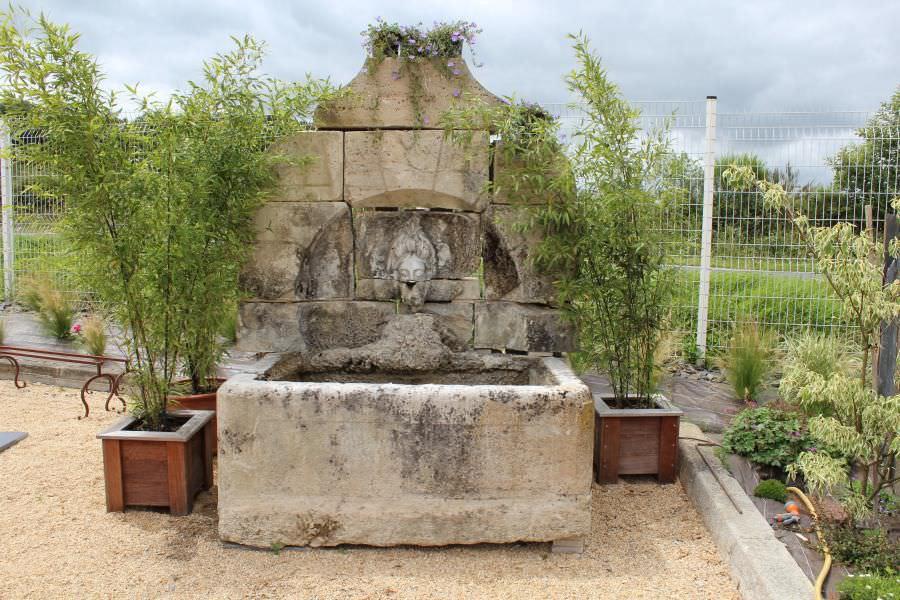 Fontana Giardino Pietra : Fontana da giardino pubblica in pietra classica bca