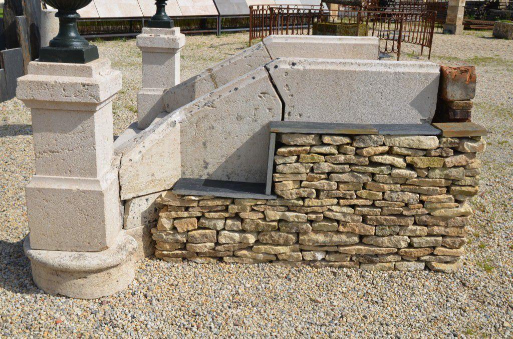 Scale Da Esterno In Pietra : Scala dritta con gradini in pietra senza alzata tradizionale