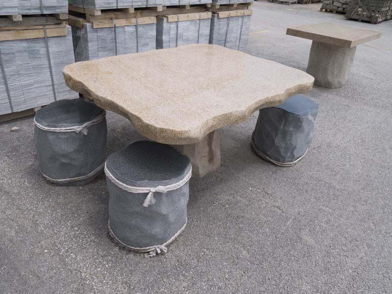 Tavoli Da Giardino In Pietra.Tavolo Classico In Pietra Tondo Da Giardino Yellow