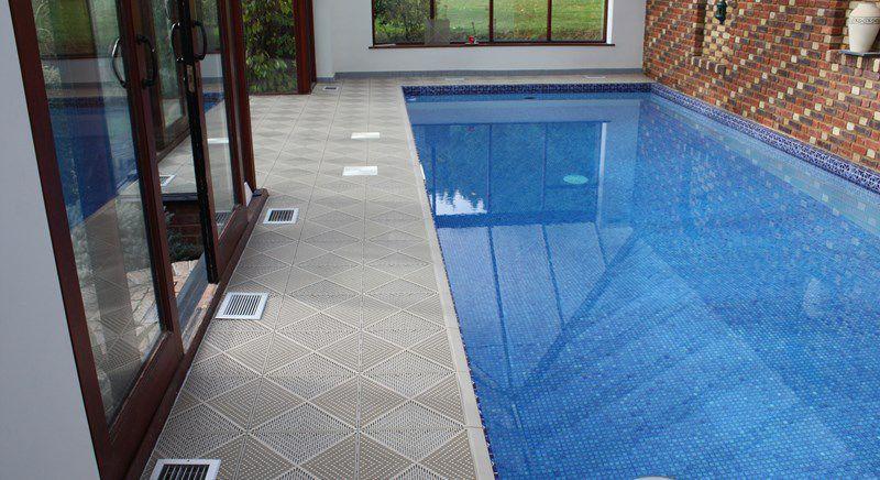 Piastrella per bagnasciuga di piscina da pavimento in
