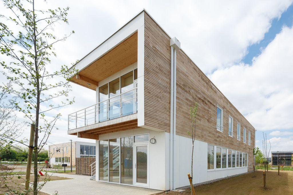 Ufficio Legno Hotel : Edificio prefabbricato in legno per ufficio moderno blancs