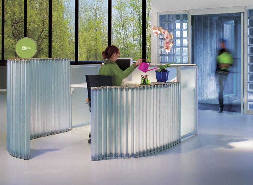 Ufficio Modulare Per Interni : Divisorio per ufficio a pavimento modulare snake by isao hosoe