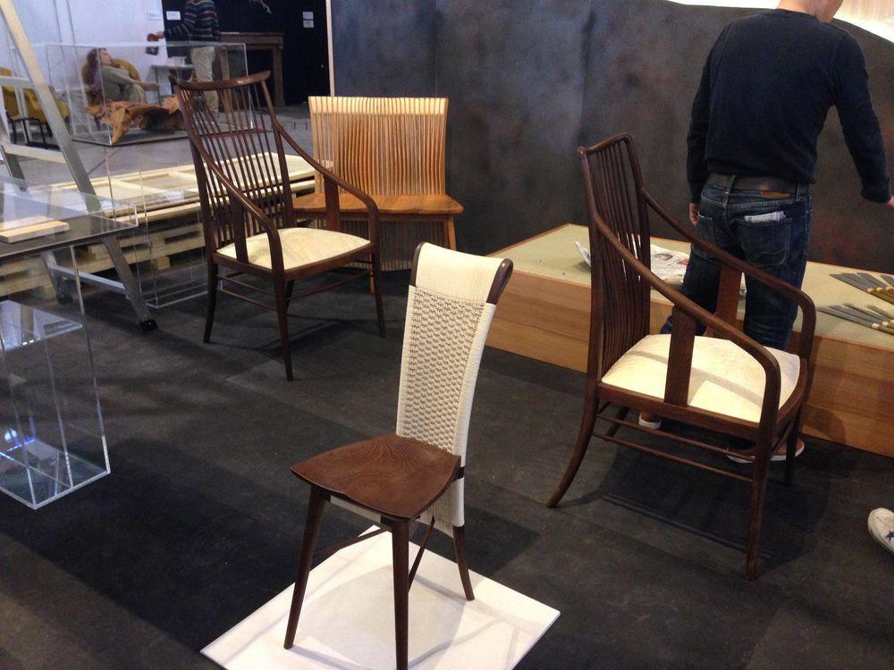 Sedie Schienale Alto Legno : Sedia classica con schienale alto imbottita in legno