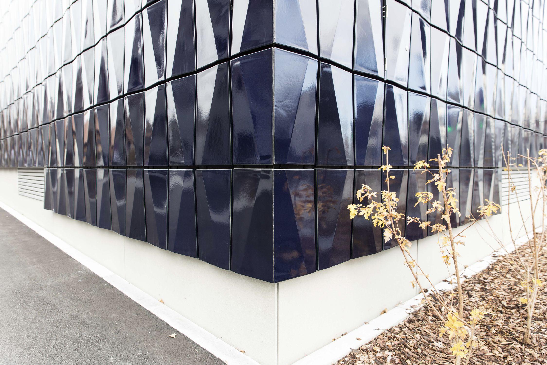 Rivestimento di facciata in ceramica 3d in pannelli aspetto