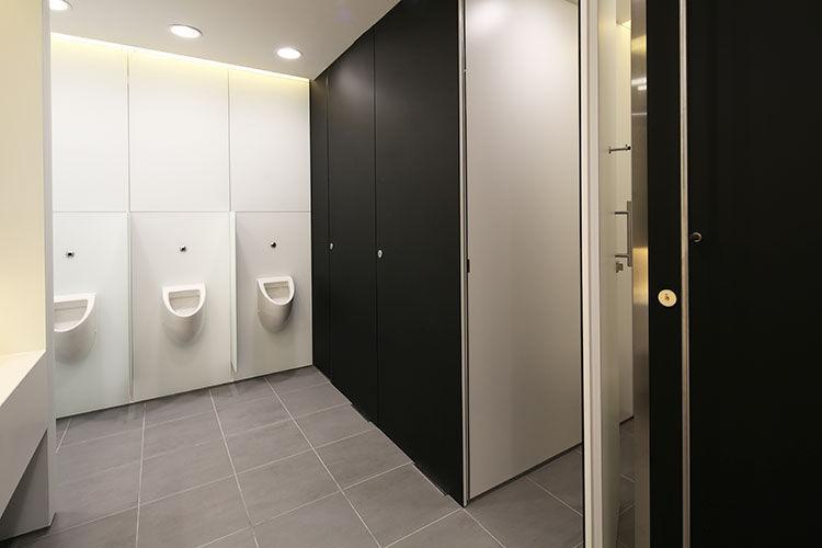Cabina per bagni pubblici per bagno pubblico in laminato in