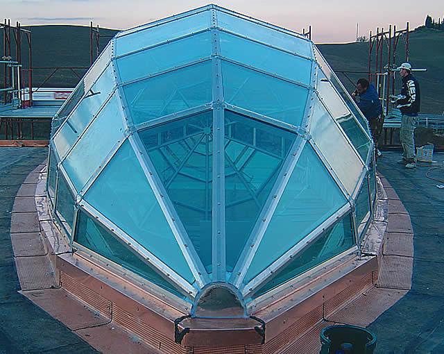 Cupola per illuminazione per tetto piano discoteca essenza lf italy