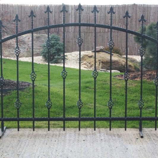 Recinzioni In Ferro Per Giardino.Recinzione Da Giardino A Sbarre In Ferro Modellato San Marino