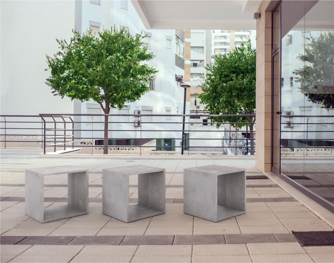 Sgabello moderno in calcestruzzo contract da giardino