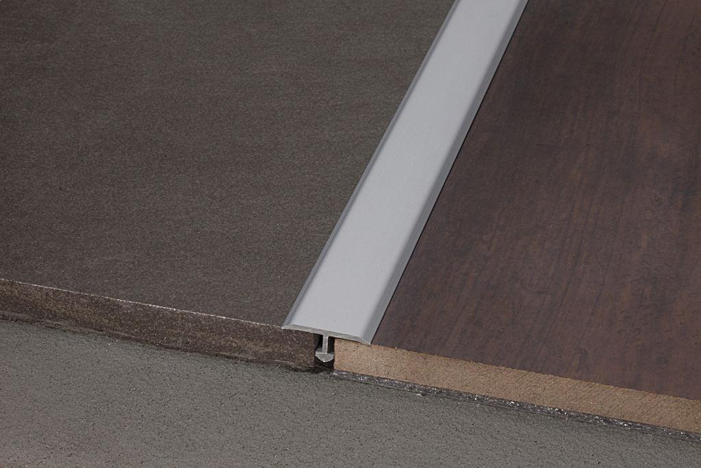 Profilo di separazione per piastrelle in ottone in acciaio