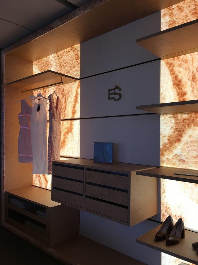 Cabina armadio da parete / moderna / in legno / con illuminazione ...