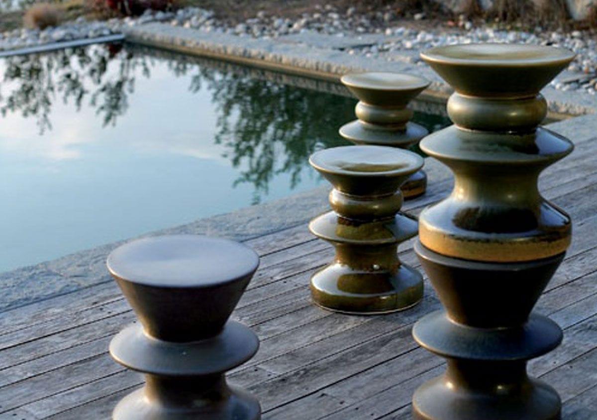Sgabello Da Giardino In Ceramica : Tavolino da giardino rotondo in ceramica grigia e bianca