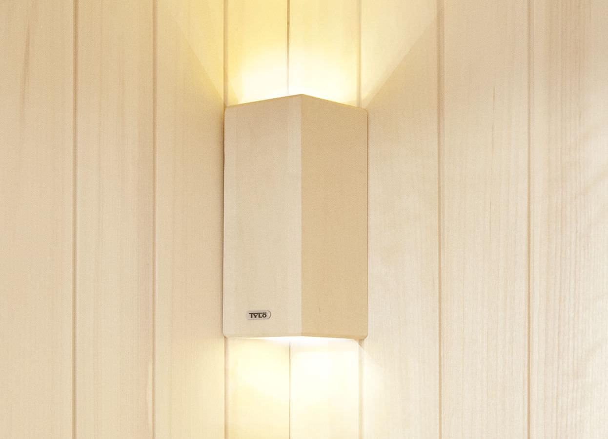 Applique moderna per sauna in legno bianca e tylo