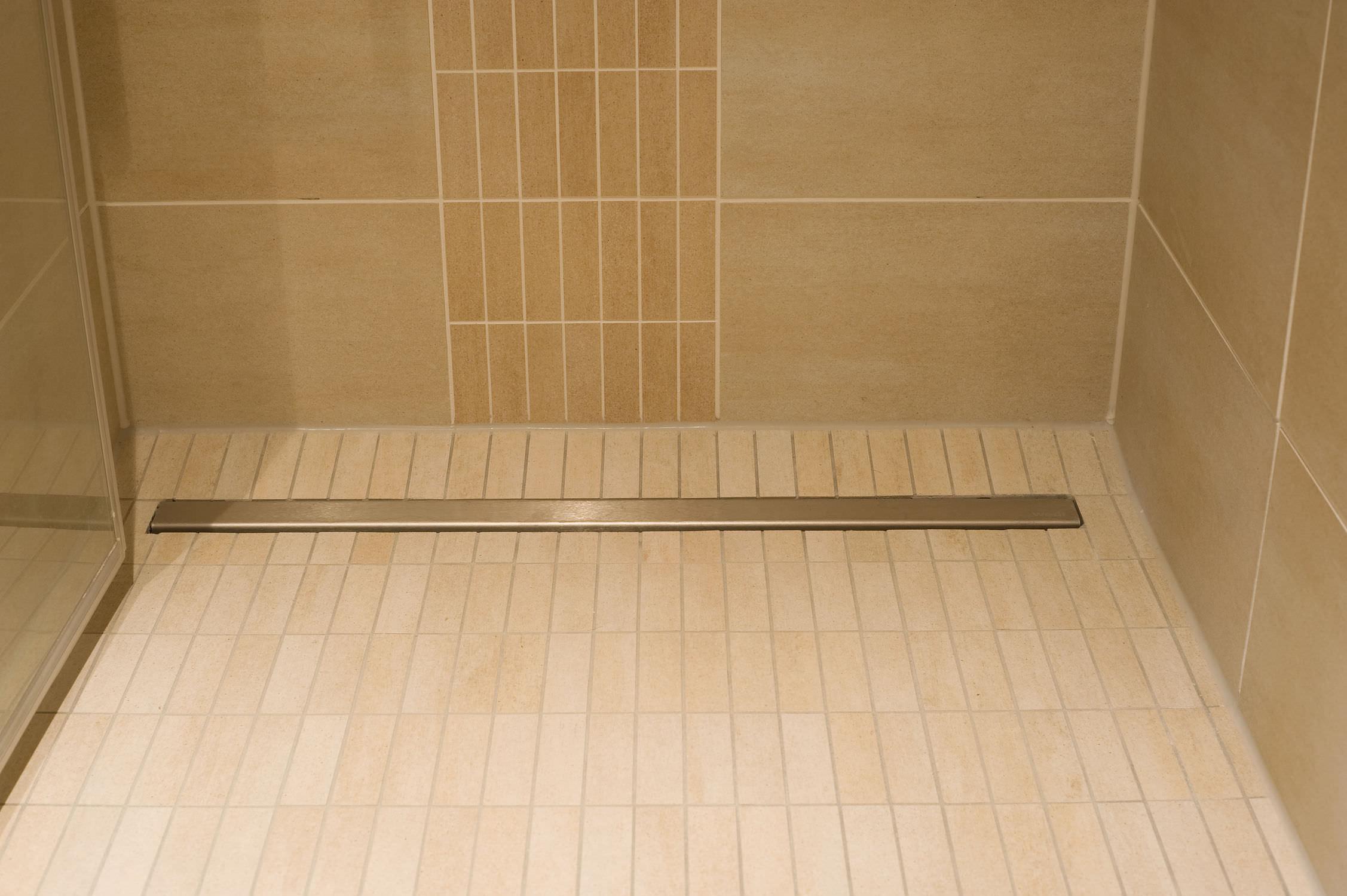 Doccia filo pavimento piastrelle simple magazzino della