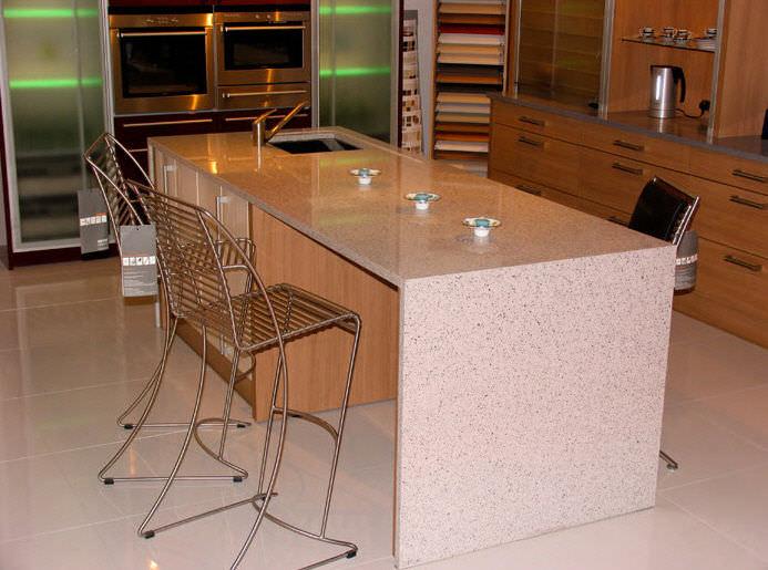 Piano di lavoro in quarzo composito da cucina stone italiana
