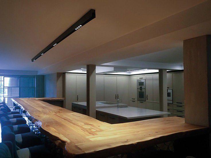Plafoniere Led A Soffitto Moderno Dimmerabile : Plafoniera moderna lineare in alluminio led anvil c by david