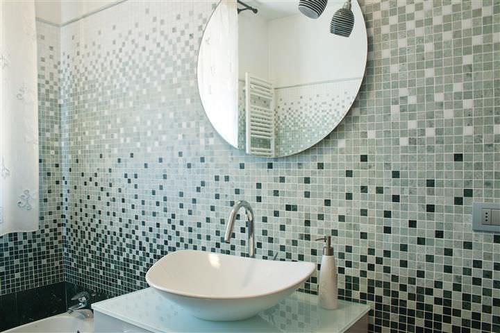 Parete Mosaico Bagno : Mosaico bagno effetti speciali consigli rivestimenti
