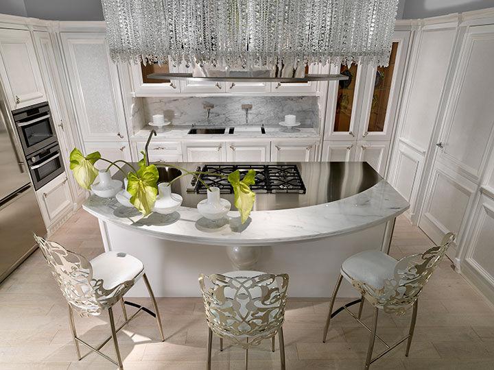 Cucina classica / in legno massiccio / in legno laccato / in noce ...