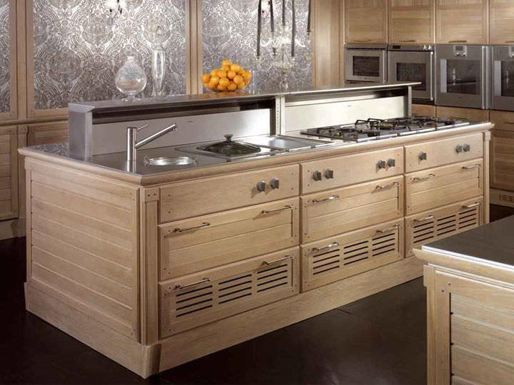 Cucina moderna / in legno massiccio / in legno laccato / in ...