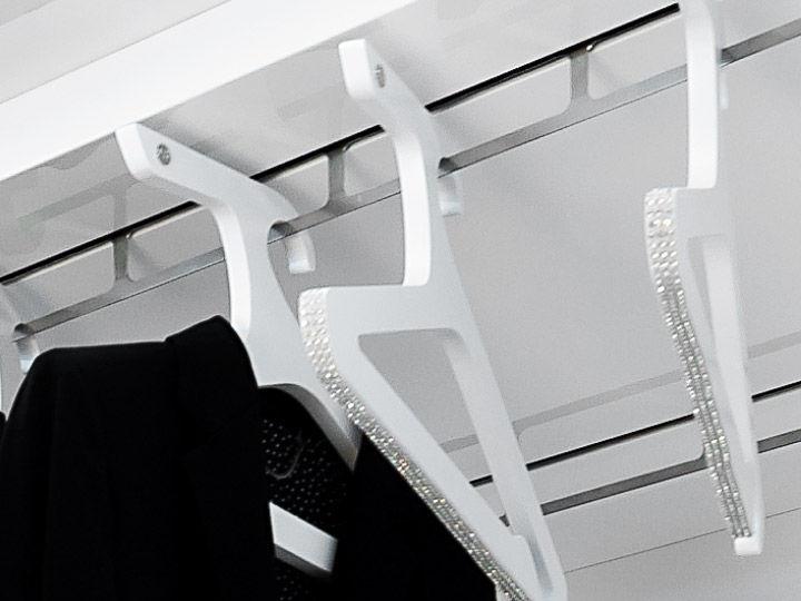 Cabina Armadio Girevole : Cabina armadio moderna in legno laccato in vetro con