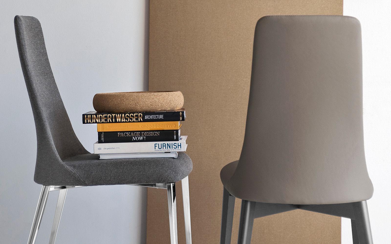 Sedia Imbottita Design : Sedia moderna imbottita con braccioli con schienale alto